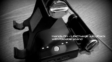 Hands On with the LifeCharge JuicyPack with foldable stand 19