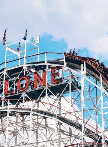 cyclone rollercoaster