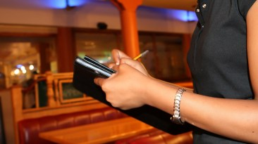 How Restaurant Businesses Can Create A Stress-Free Environment For Servers 9