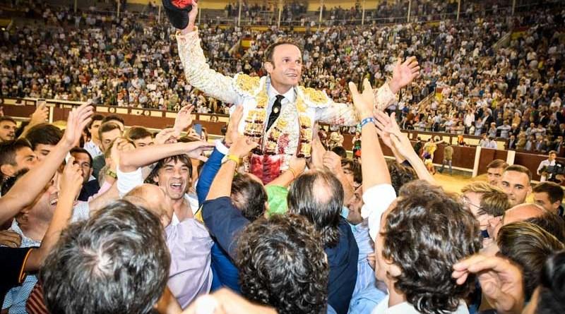 Antonio Ferrera y la FIT concluyen su relación de apoderamiento
