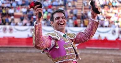 Arrollador triunfo de Arturo Macías en Autlán de la Grana
