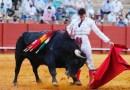 Daniel Luque da una vuelta al ruedo en la cuarta de la Feria de San Miguel en Sevilla