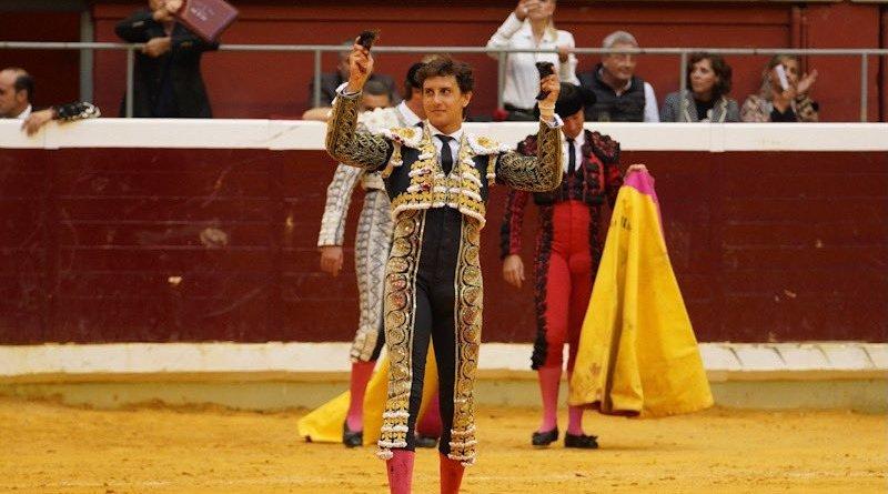Rotundo triunfo de Roca Rey en Logroño
