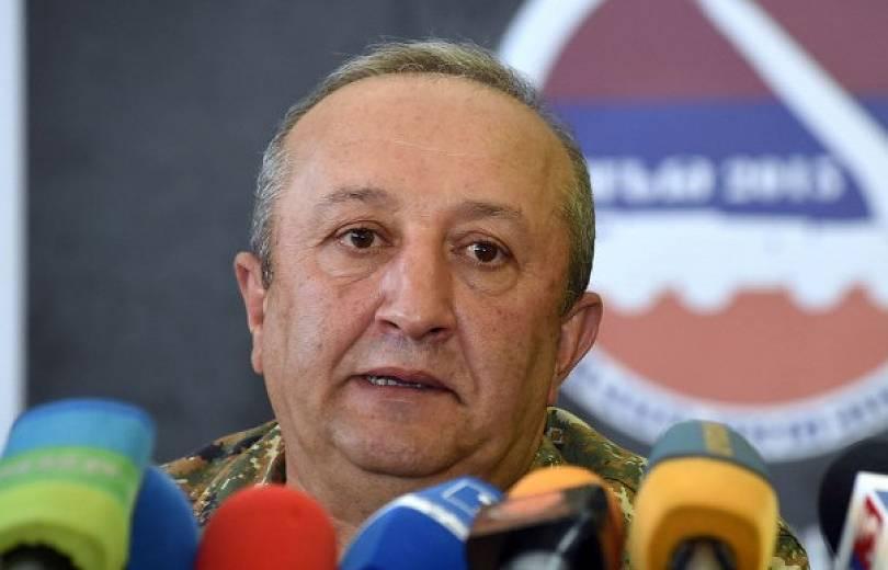Никол Пашинян предложил освободить главу Генштаба от должности