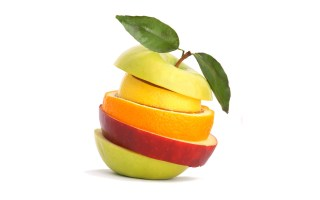 Pommes et agrumes par Le Disparu.