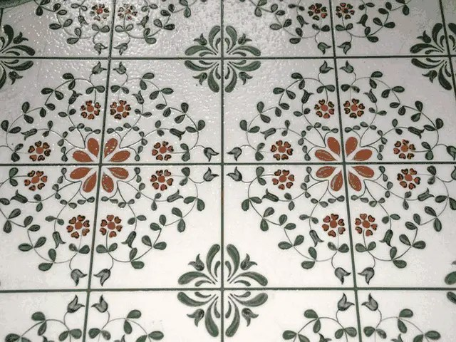 What are Vinyl Tiles and Their Pros and Cons