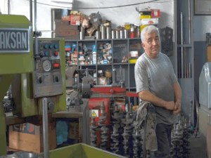 6 Things to Consider as You Buy Used Equipment Online 1