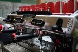 Ароматный кофе, вкусные сэндвичи и круассаны, клиентоориентированный персонал и стильный дизайн... Это запоминается!