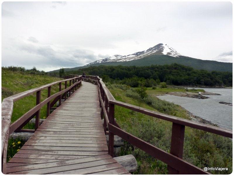 Ushuaia_Parque_Nacional_Tierra_del_Fuego_Bahia_Lapataia_Pasarela