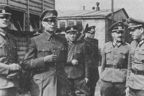 Генерал Власов в плену