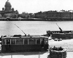 План Гитлера по захвату Ленинграда потерпел крах. Почему?