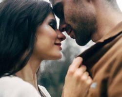 Мужчина испытывает симпатию к женщине: как и по каким признакам можно это понять?
