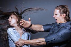 Муж бьет жену - значит любит? О насилии супруга в семье