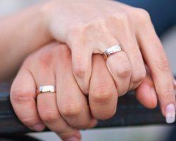 Почему обручальное кольцо нельзя снимать: приметы