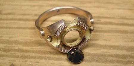 Приметы: Выпал камень из кольца - к чему это и что значит?
