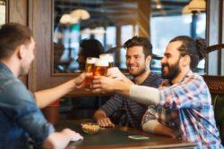 Муж пьет с друзьями, гуляет - что делать?