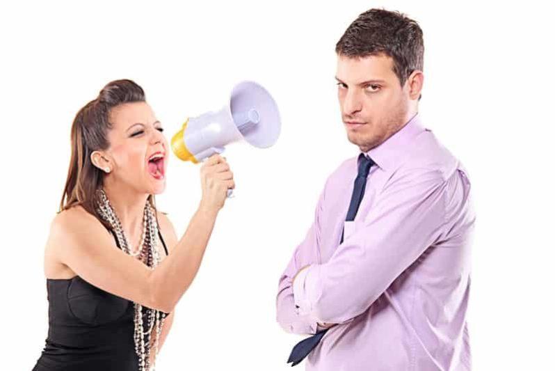 Почему мужчина игнорирует свою женщину