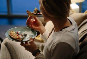 Почему хочется есть ночью