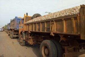 Grève des chauffeurs routiers: la police nationale appelle les chauffeurs au calme