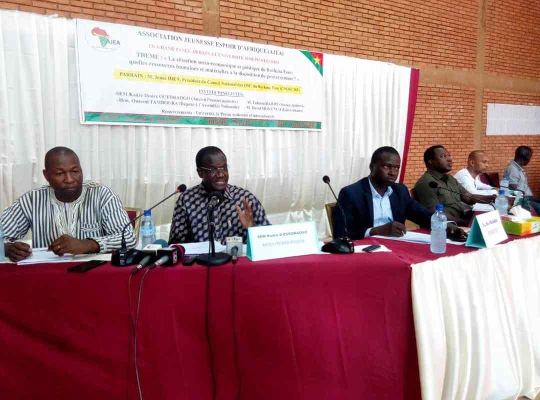 Politique: le Burkina n'a pas besoin de «plan Marshall» mais de «compétences»