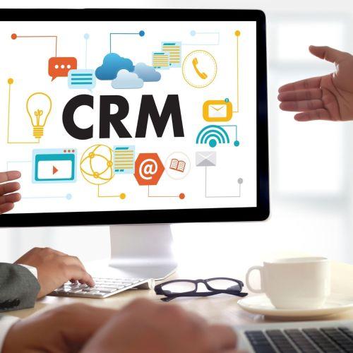 Otimização dos lucros e fidelização dos clientes são algumas das vantagens do serviço de CRM