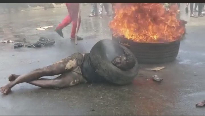 Fine Boy Armed Robber Caught And Burnt To Death In Anambra (Photos)
