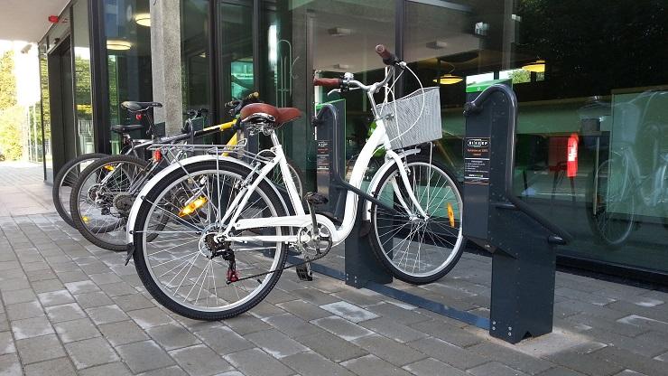 Bikeep elektronisch fietsenrek vooraanzicht (1)