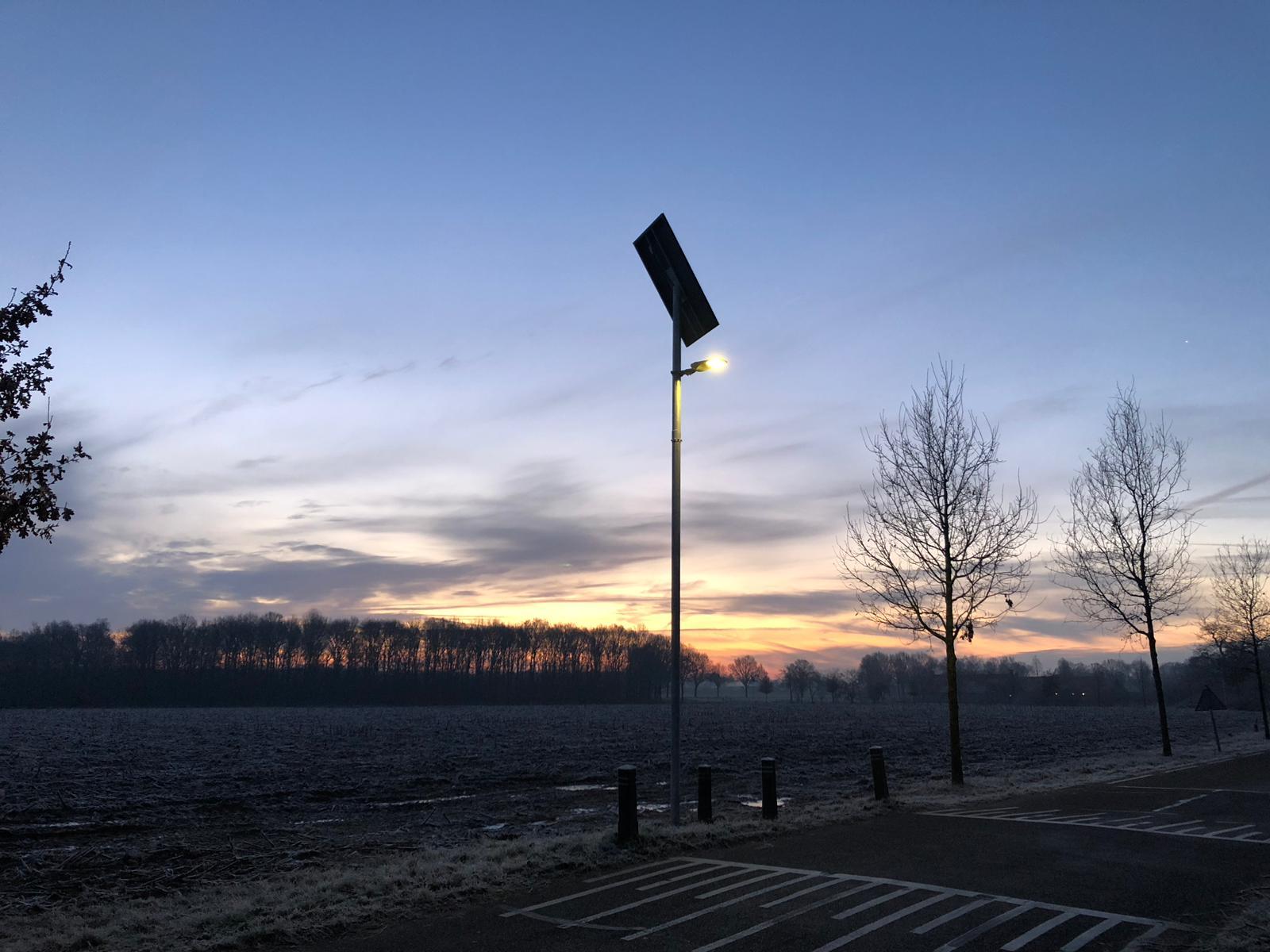 zonne-energie lichtmast