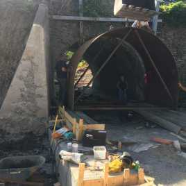 CULVERT LINER WITH NATURAL BOTTOM