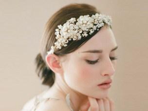 velo-da-sposa-e-cappellini-tutte-le-novit-e-i-copricapi-per-la-sposa-2012_113309_big
