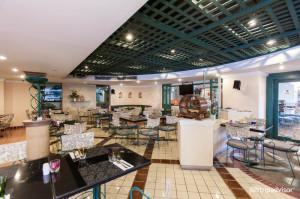 restaurant--v3718466