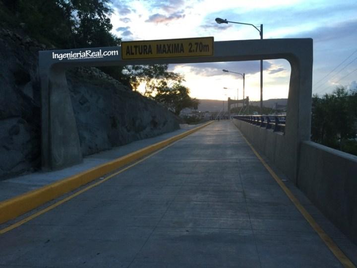 Ciempiés estrena puente en Altos del Trapiche (2)