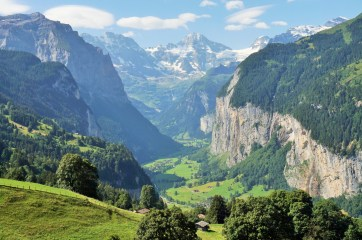 Lauterbrunnen Valley from Wengen.