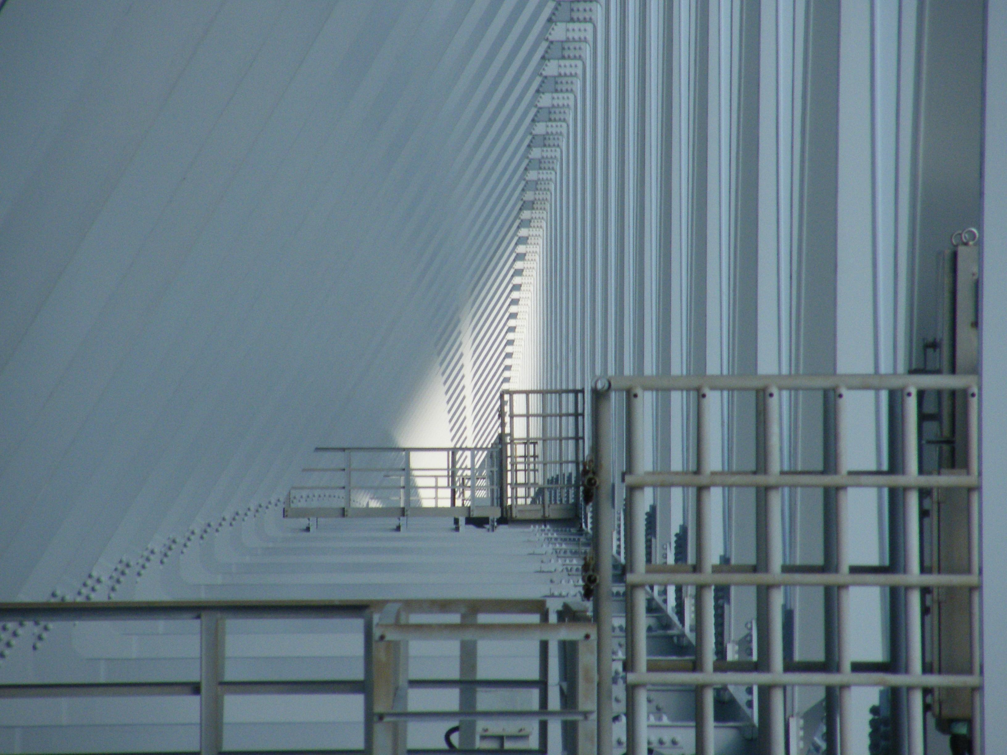 dall'interno del ponte