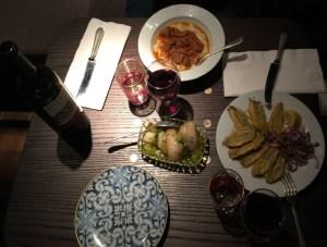 Babaji Londra lokanta Türk yemek restoran hünkarbeğendi hamsi enginar Kavaklıdere kırmızı şarap İstanbul Pide Salonu