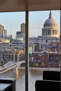National Portrait Gallery restoran lokanta manzara üst kat panorama panoramik Londra London müze