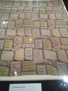 Propaganda Britain's Supremacy sergi British Library eski tarih tarihi İngiltere Birleşik Krallık Büyük Britanya London Wall scarf 1940lı yıllar 1940s 1940lar Londra eşarp fular ipek nostalji nostaljik