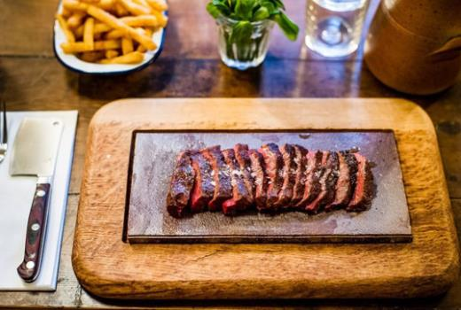 Flat Iron Steak Covent Garden Londra London et patates kızartması yemek lokanta restoran