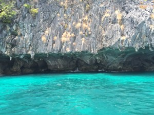 Tayland deniz kumsal sahil plaj turkuaz mavi renk doğa kayalık mağara dalga güneş