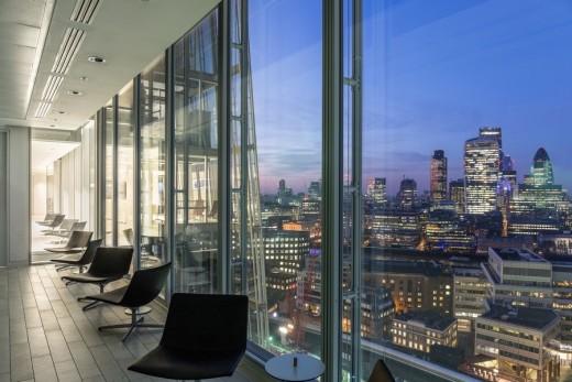 Warwick Business School The Shard manzara görünüm akşamüstü gökdelen City Londra London finans merkezi ofis modern bina mimari işyeri