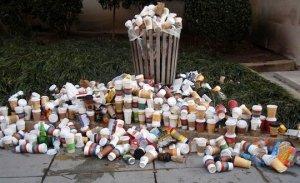 Paper cups rubbish garbage trash litter kağıt bardak çöp