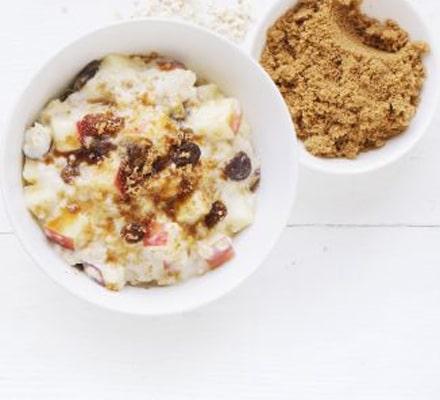 Apple Sultana Porridge - com maçã e sultana, que é um tipo de uva-passa