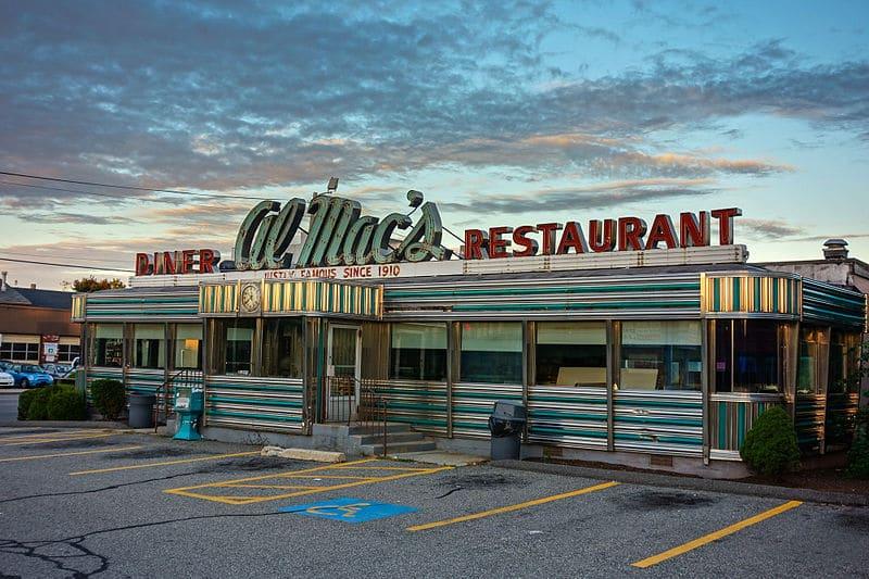 Al_Mac's_Diner-Restaurant_Fall_River_MA_2012