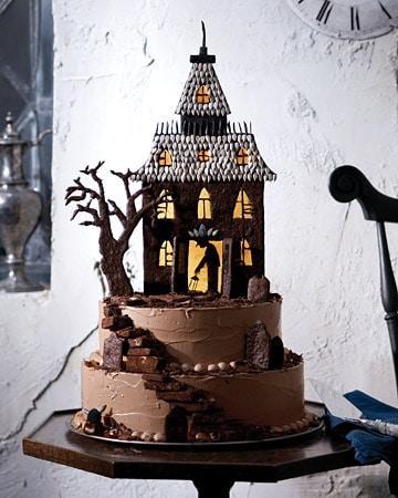 Haunted-House-Cake-Martha