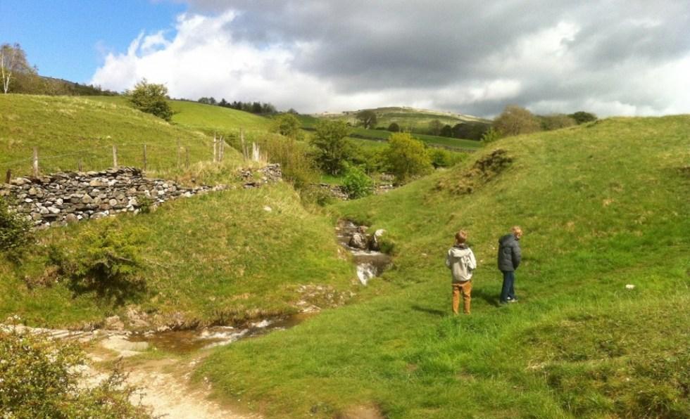 Ingleton Walk around village and along river