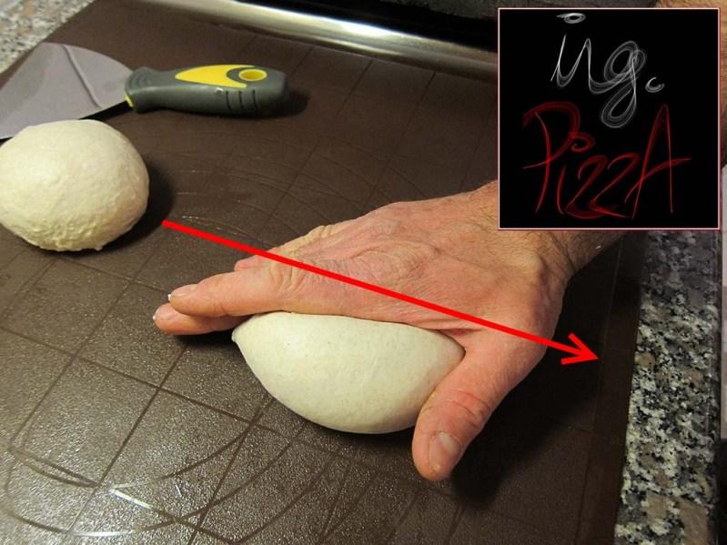 Formatura del panetto per la pizza classica da 230gr - Passo 2
