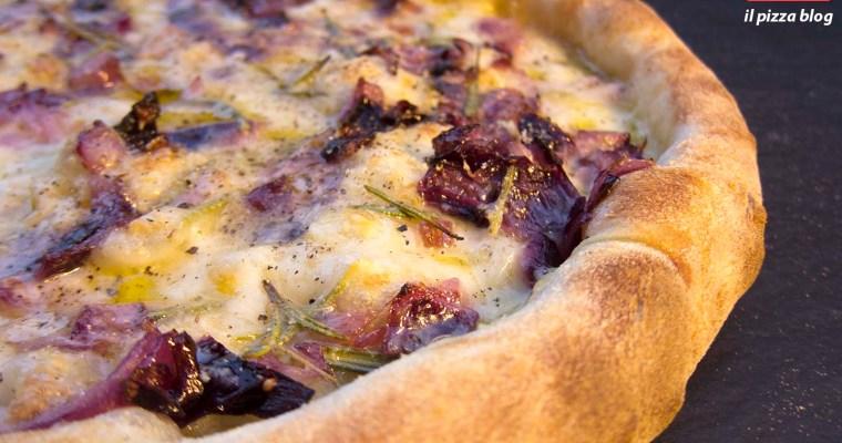PIZZA CIPOLLOTTO, ROSMARINO E PEPE