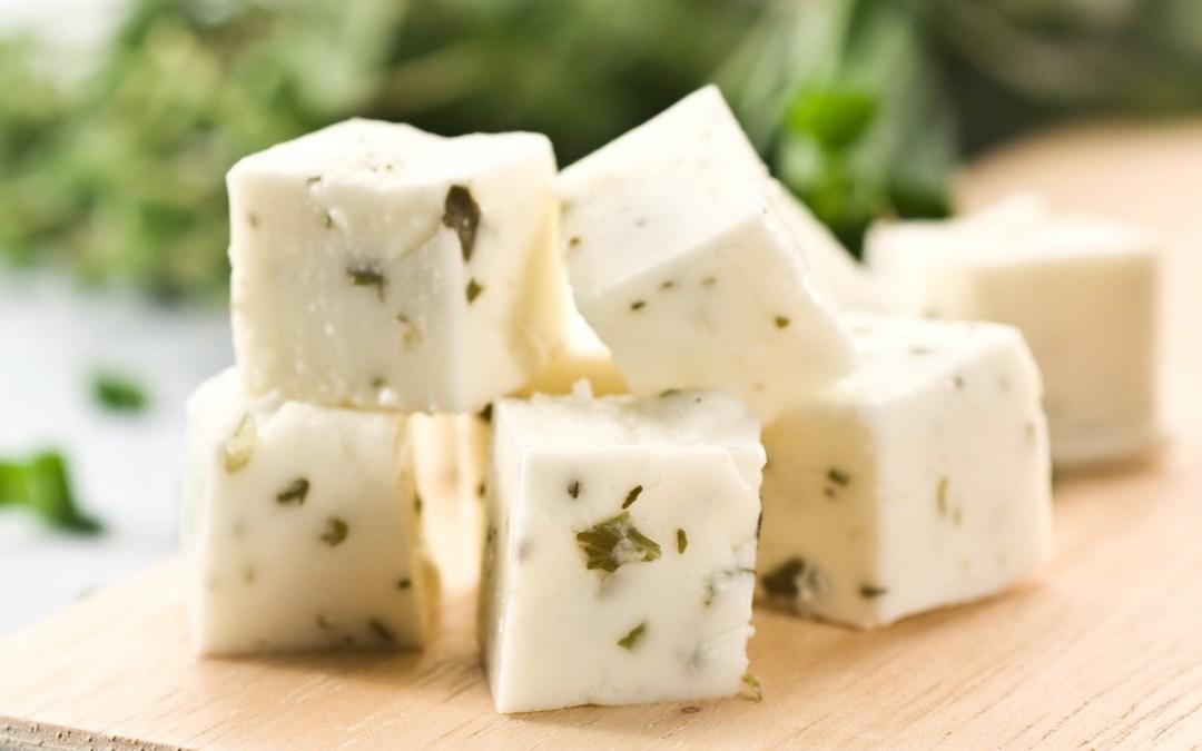 Transformation des lactosérums doux et acides en desserts et en aliments tendance…