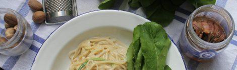 Espaguete ao molho de Anchova e Rúcula