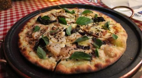 Pizza   Forno D' Barro e ingredientes frescos